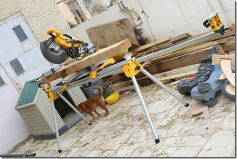 Yaron's new baby - he got this workbench stand for his power tools recently.  Very exciting!